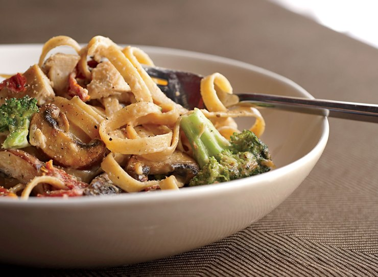 Healthy loaded alfredo with chicken and vegetables