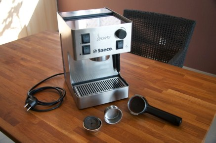 Saeco Aroma Espresso machine, pressurized portafilter, basic basket and basket with podadapter