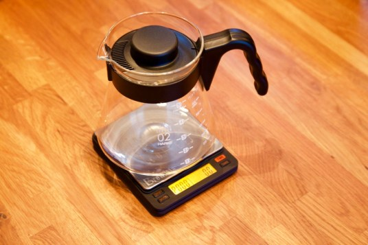 Brewista Smart Scale - V60 decanter fits just right