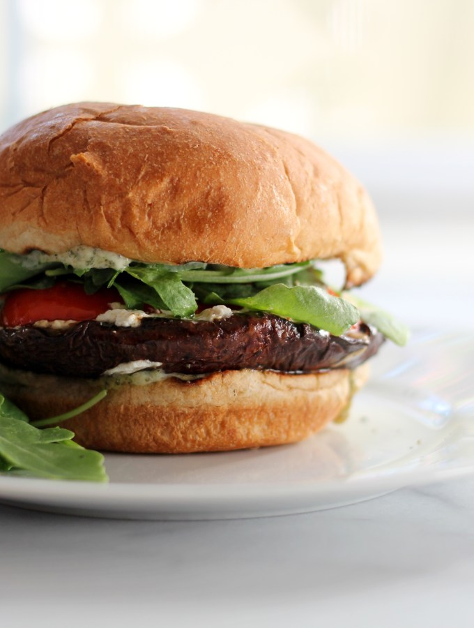 [Recipe] Grilled Portobello Mushroom Burgers | Welcome, Summer?
