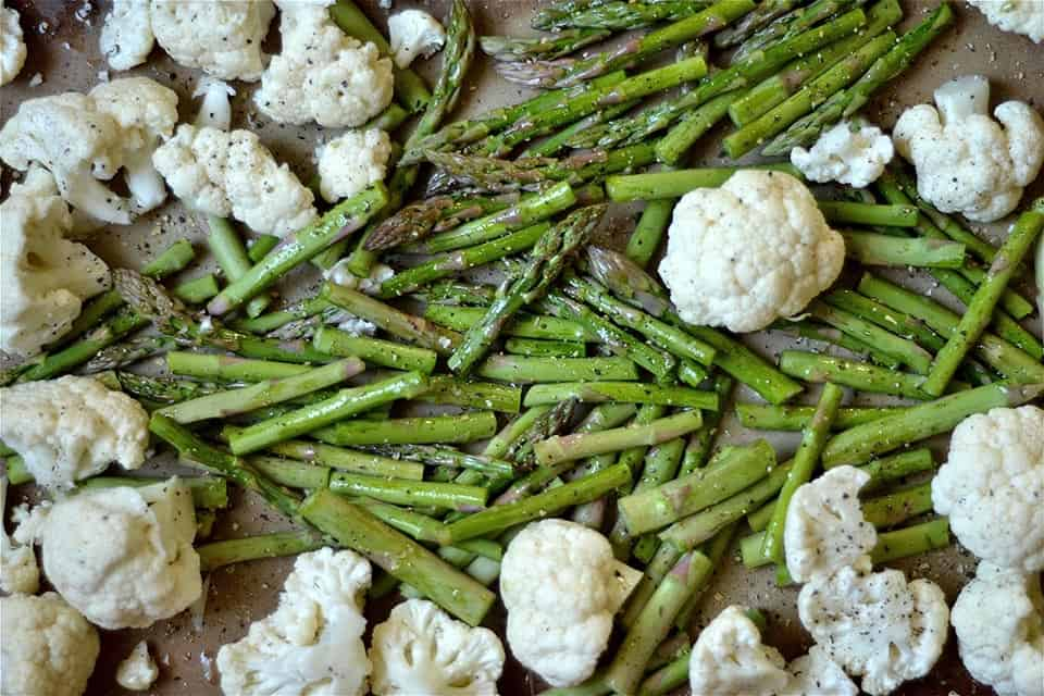 Roasted Asparagus, Cauliflower, and Mushroom Soup 3