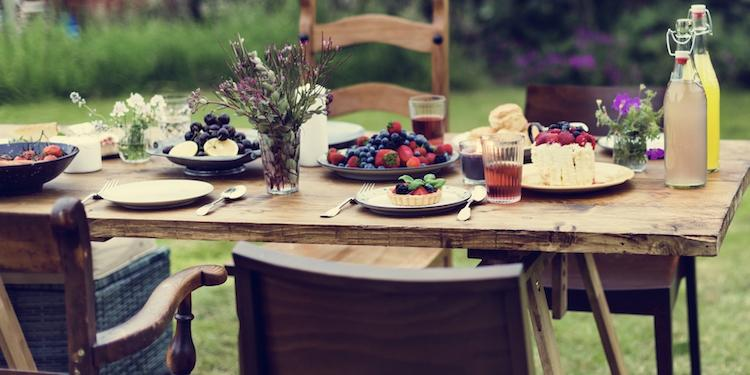 summer garden table