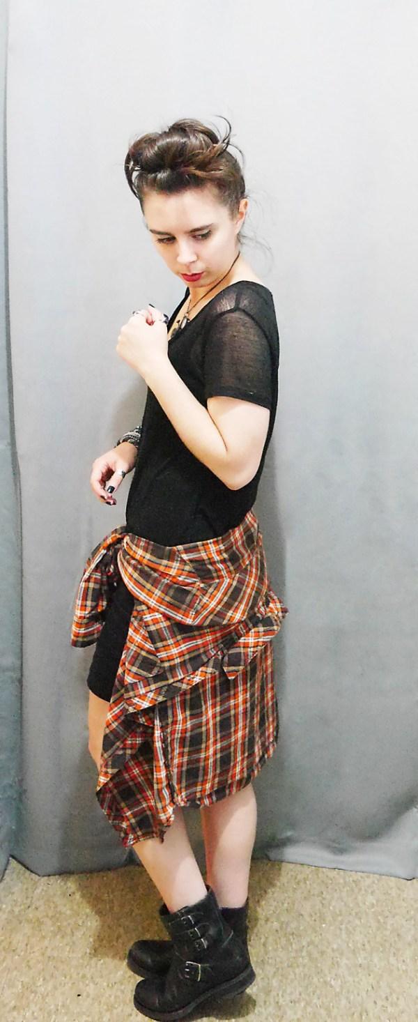 BlackShirt+MiniSkirt+PlaidButtonUpShirt Fall 10x10 Wardrobe Challenge 3
