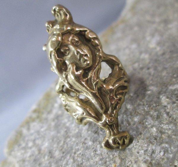 Bronze Gibson Girl Ring