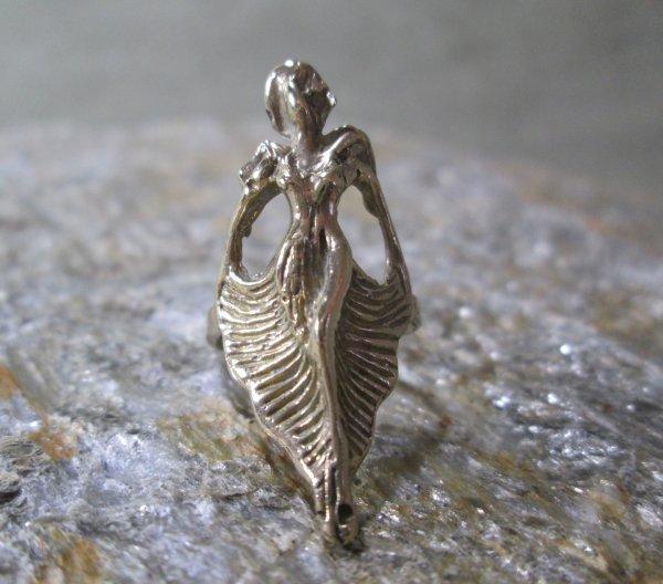 Art Deco Siren Ring