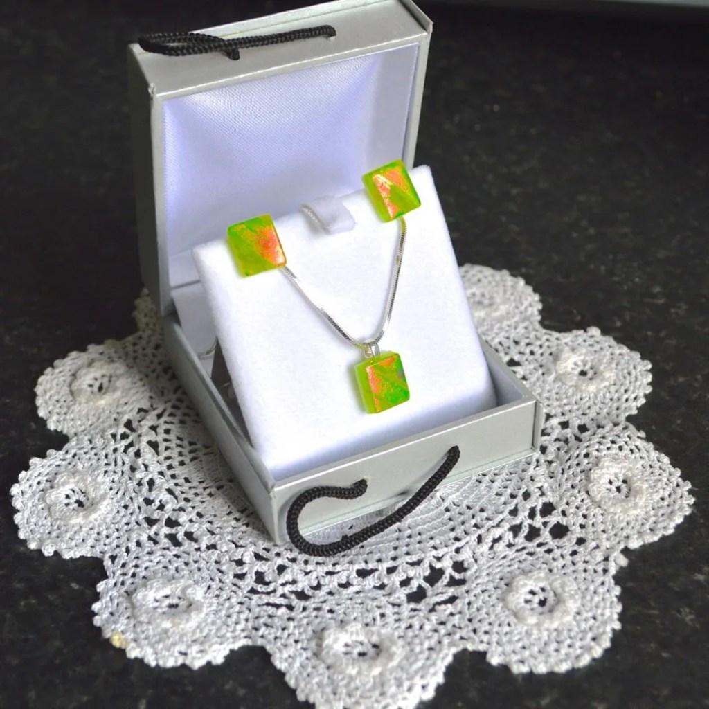 Wickstead's-AWDesignsUK-Lime-Green-&-Orange-Dichroic-Glass-Stud-Earrings-&-Pendant-Necklace-Jewellery-Set (5)