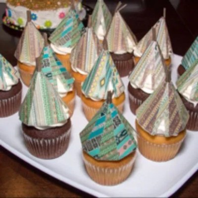 Wickstead's-Customer-Photo-of-our-Native-Tribal-Teepee's-on-Cupcakes