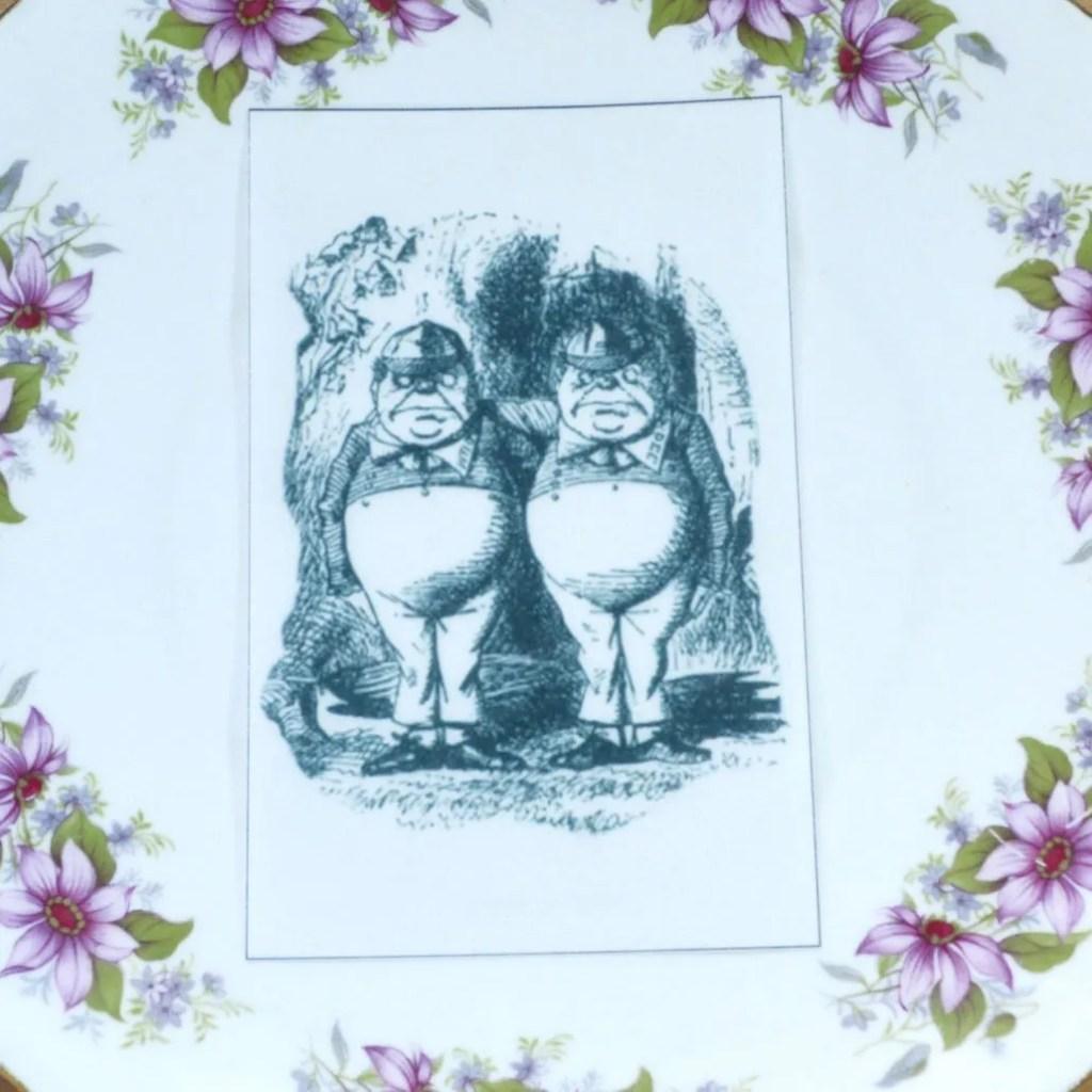 Wickstead's-Eat-Me-Edible-Black-&-White-Alice-in-Wonderland-Illustrations-Tweedle-Dee-&-Dum