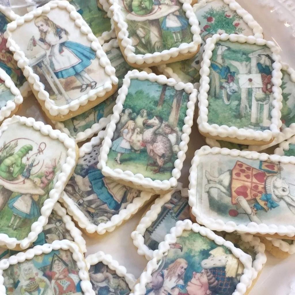 Wickstead's-Eat-Me-Edibles-Alice-in-Wonderland-Set-1-Med-Wafer-Paper-Rectangles-on-Biscuits-(4)