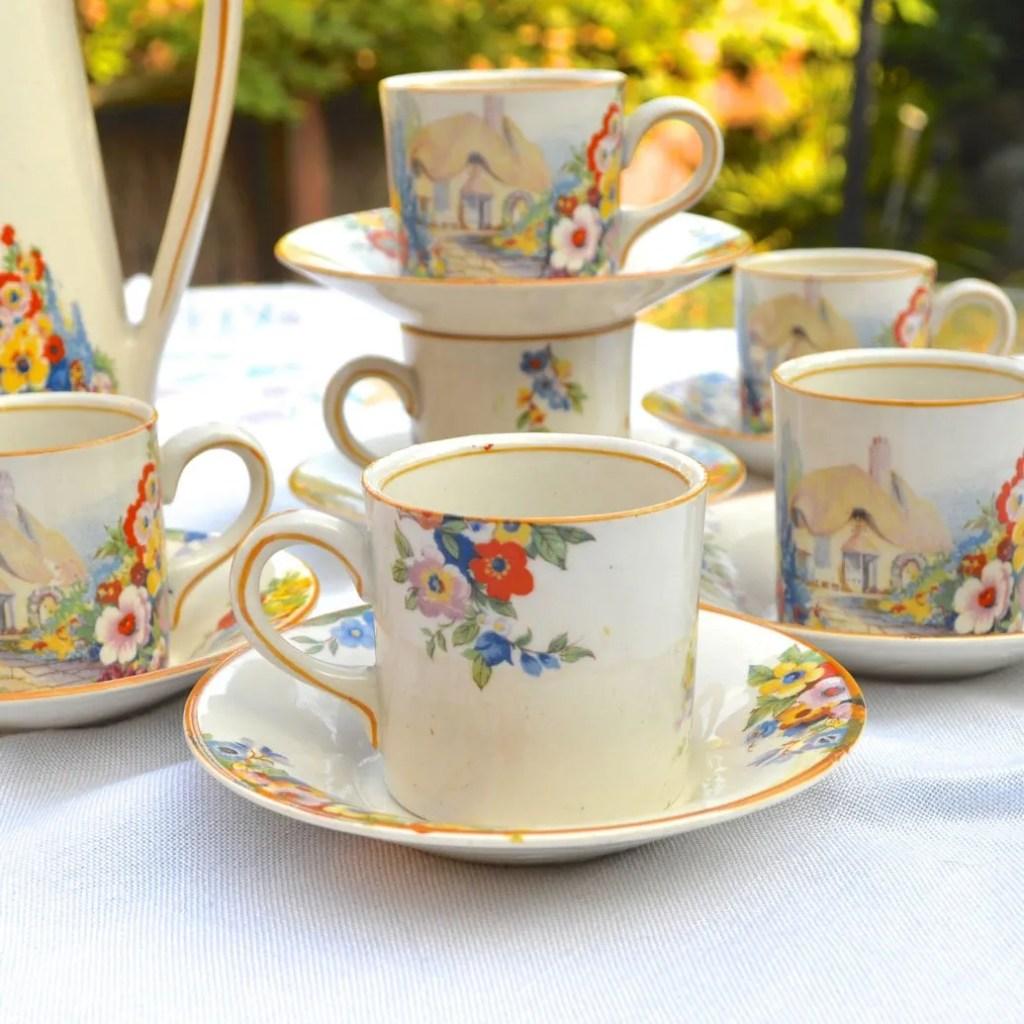 Wickstead's-Hampton-Ivory-Olde-English-Garden-China-Coffee-Can-Set-(3)