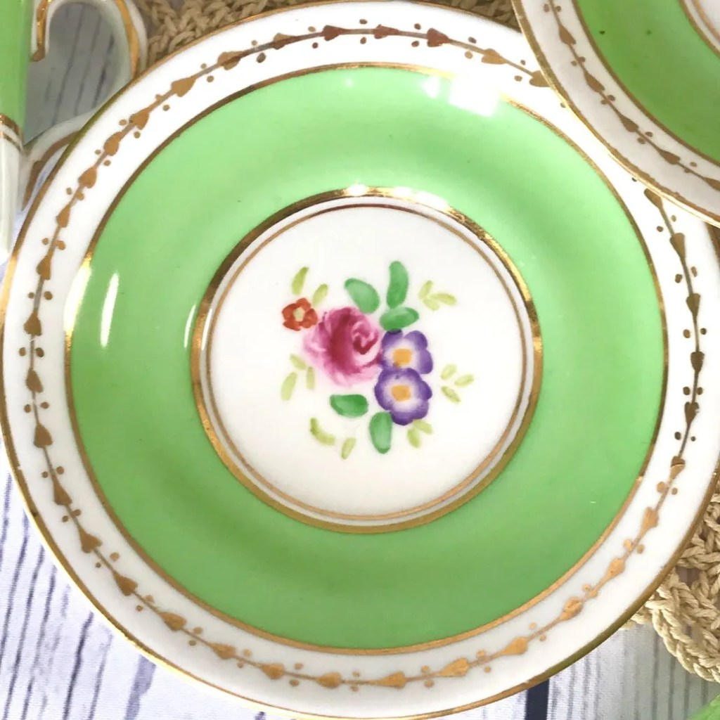Wickstead's-Home-&-Living-Dainty-Coffee-Can-Cups-&-Saucers-Spring-Lime-Green-Set-(8)