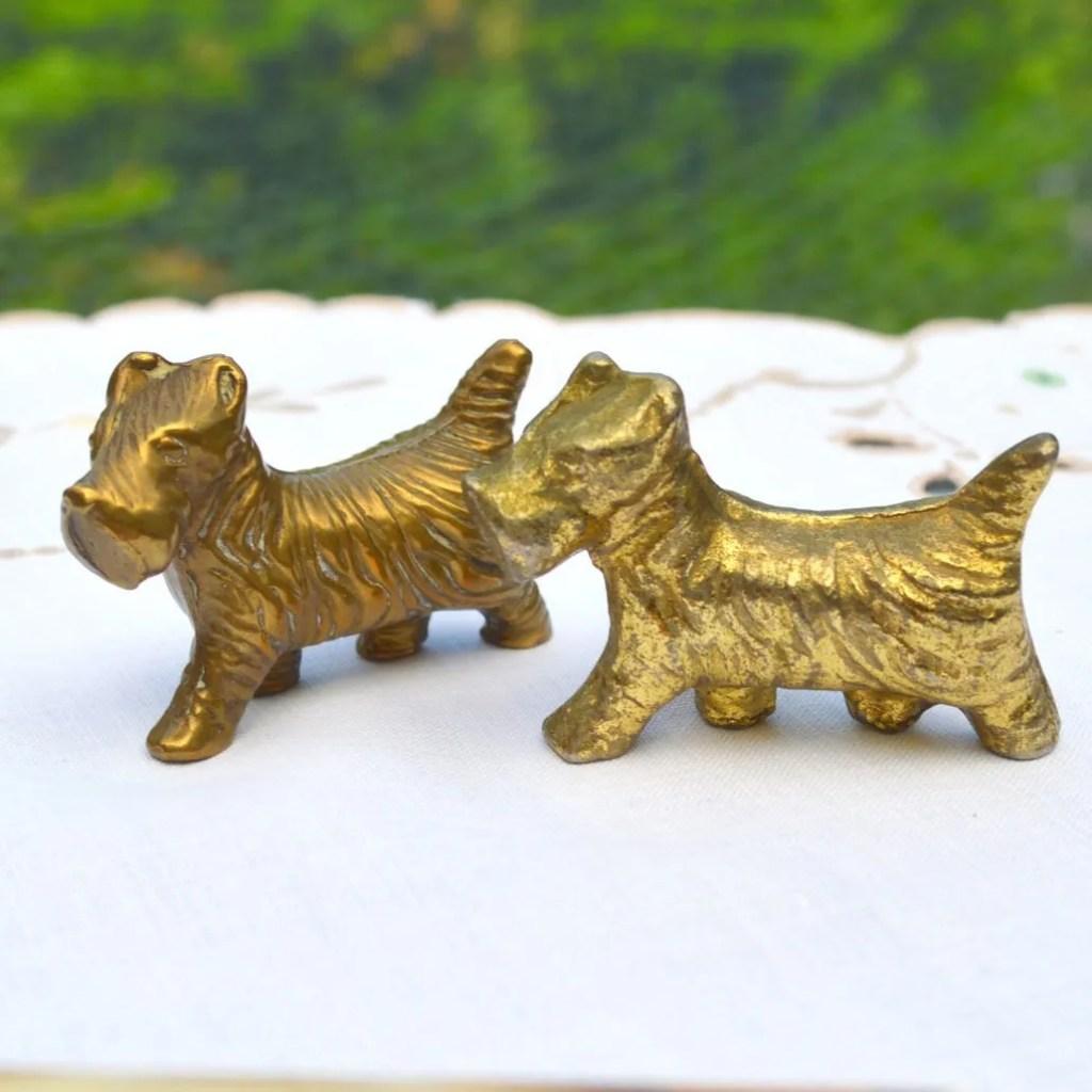 Wickstead's-Mr-Wickstead-Homewares-1930s-Scottie-Dogs-Amber-Glass-Dish-&-Solid-Brass-Figures-(5)