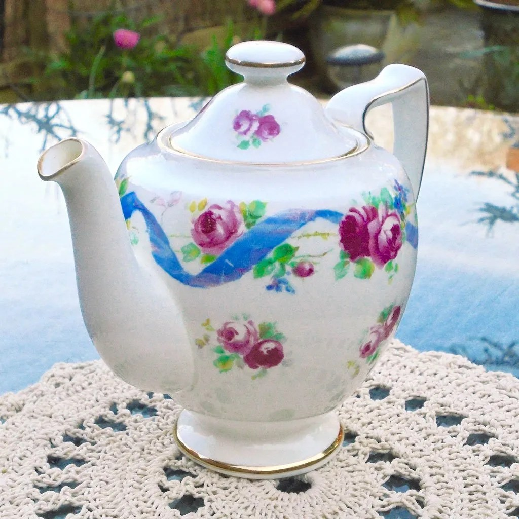 Wicksteads-Home-&-Living-Royal-1930s-Doulton-RoseTime-Small-One-Person-Teapot-(3)-