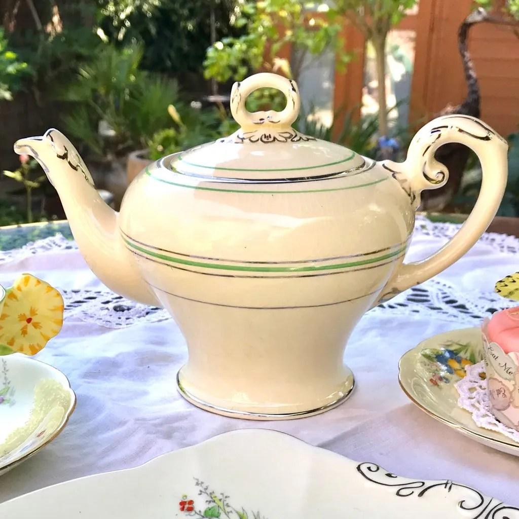Wicksteads Home & Living Teapot 1930s CreamWare (1)