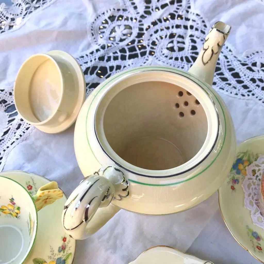 Wicksteads-Home-&-Living-Teapot-1930s-CreamWare-(5)