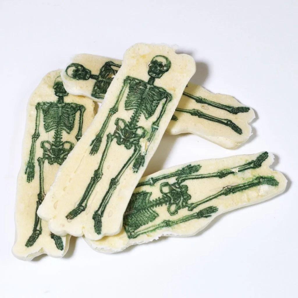 Wickstead's-Eat-Me-Edible-Meringue-Transfer-Sheets–Skeletons-(1)
