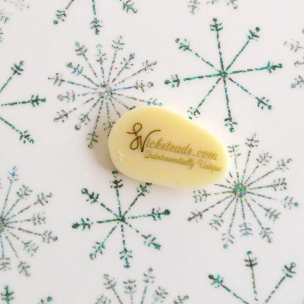 Wickstead's-Eat-Me-Edible-Meringue-&-Chocolate-Transfer-Sheets–Winter-Wonderland-Twinkling-Frozen-Ice-Snowflakes-Chintz-(2)