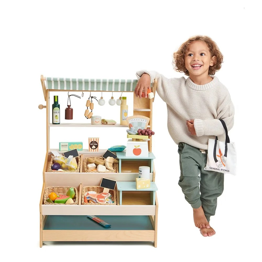 TL8258 grocery stores with standing boy
