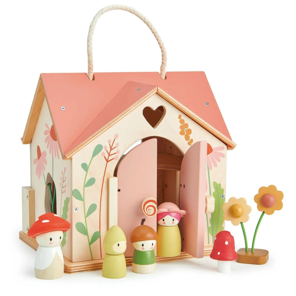 TL8381-rosewood-cottage-1