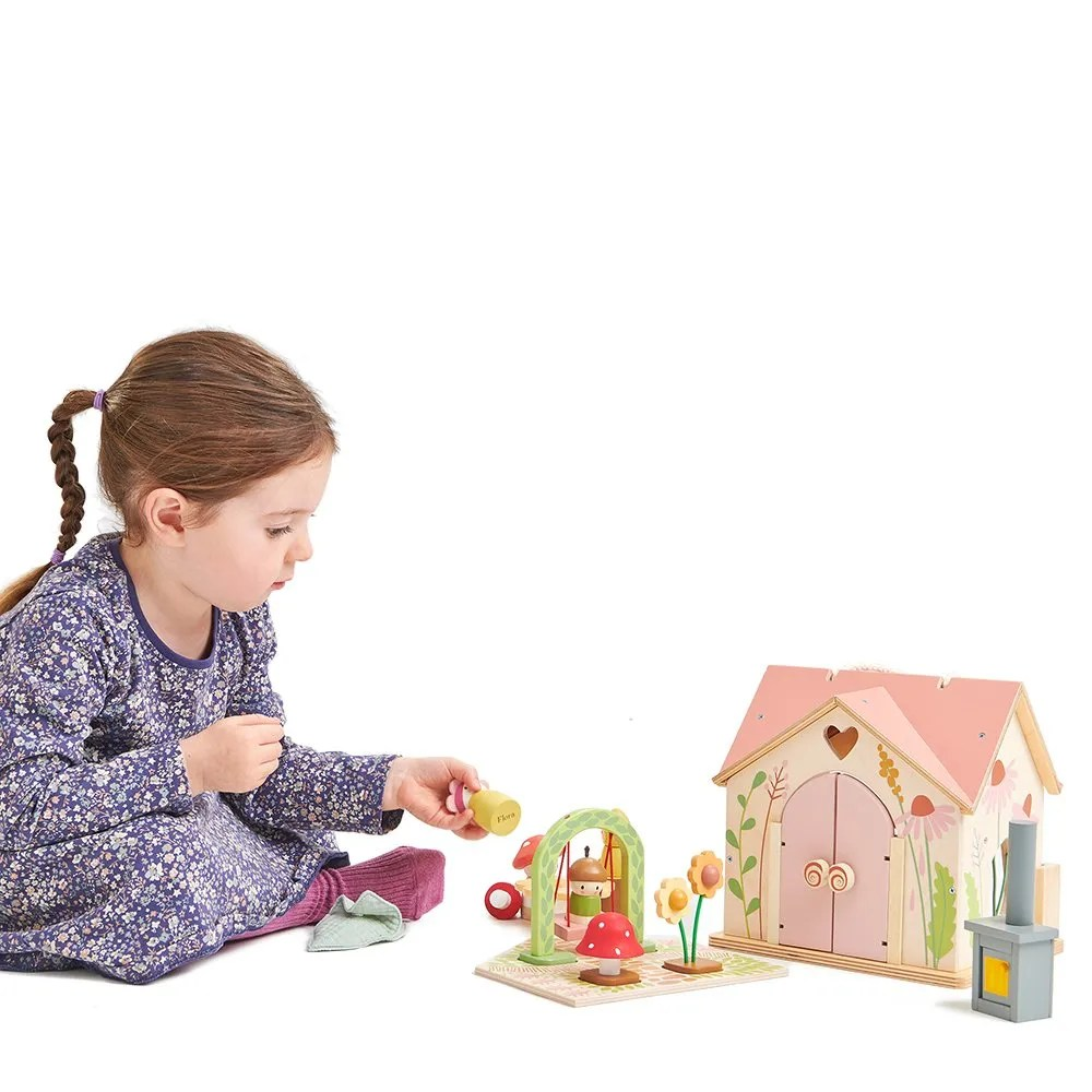 TL8381 rosewood cottage with girl sitting