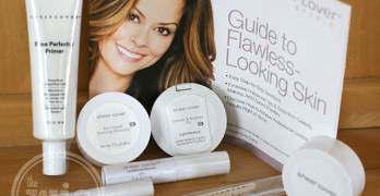 Achieve an All-Natural Glow with Sheer Cover Studio Mineral Makeup #FlawlessFinish