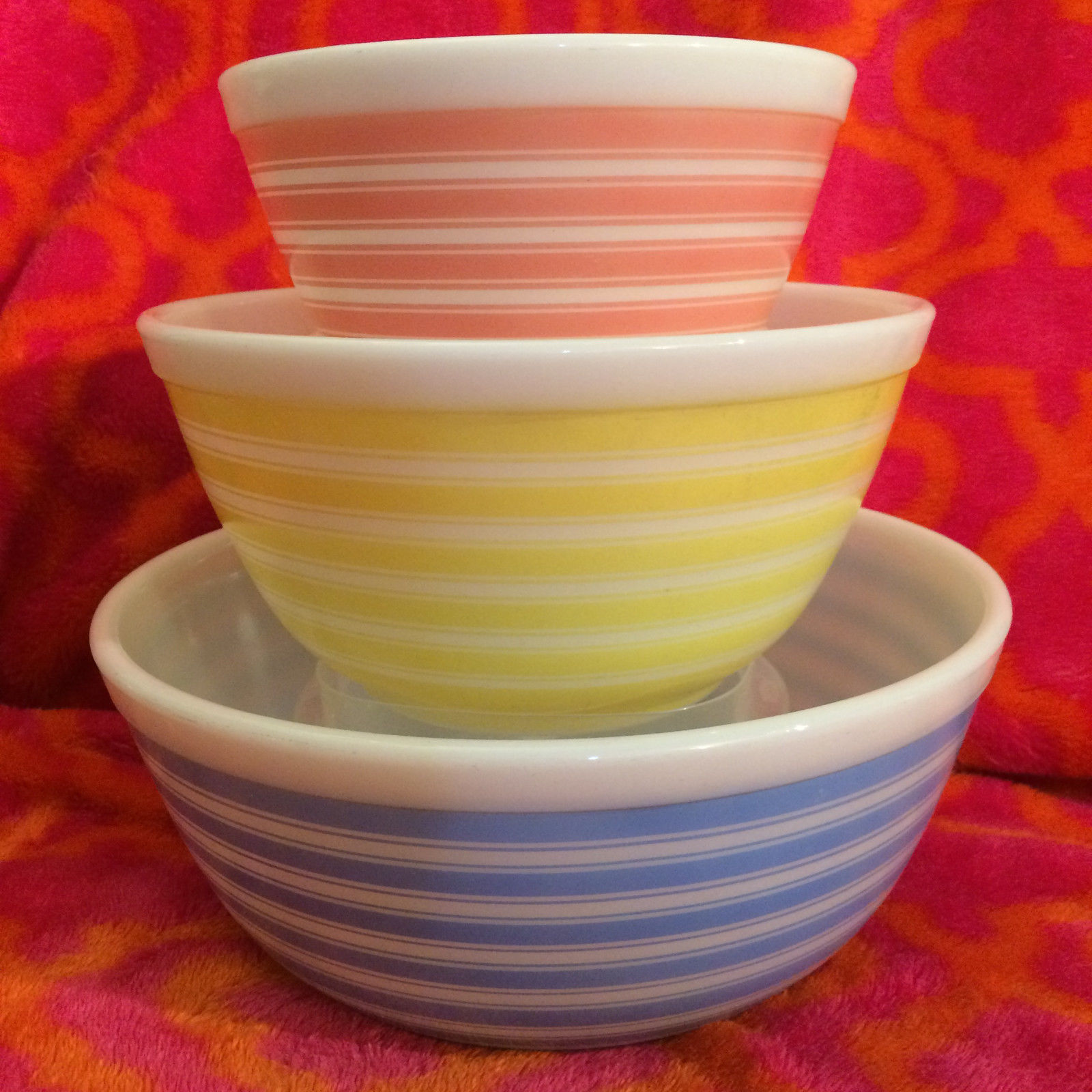 Vintage Pyrex Patterns