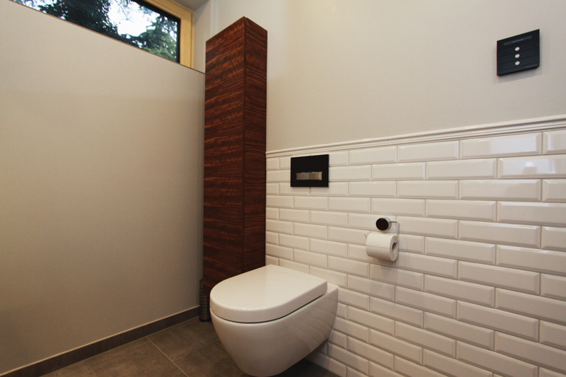 Badezimmer Grau-Holz Konzept - Wieczorek Fliesen