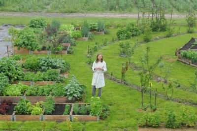 Agatka w ogrodzie Wiejskich Inspiracji