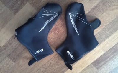 Voorkom koude voeten tip 2: Fiets overschoenen