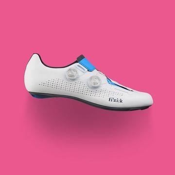 Movistar-infinito-R1-schoenen-Richard-Carapaz