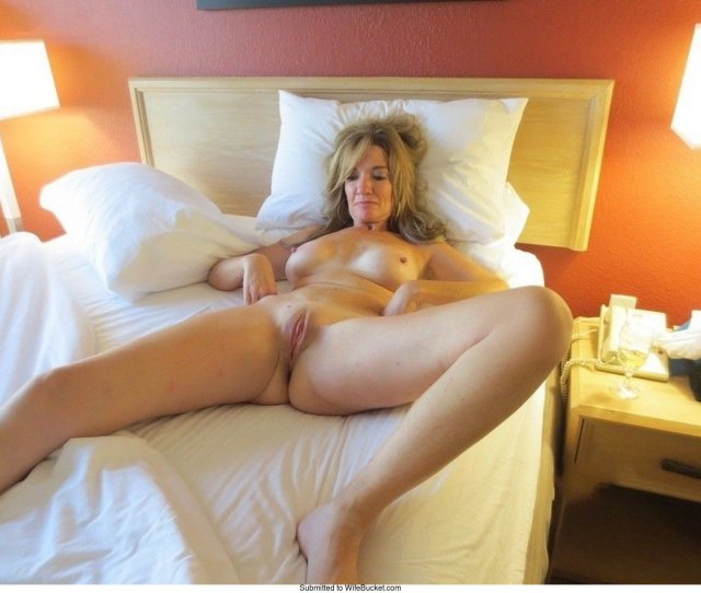 Milf Nude In Hotel