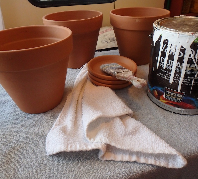 White wash terra cotta pots