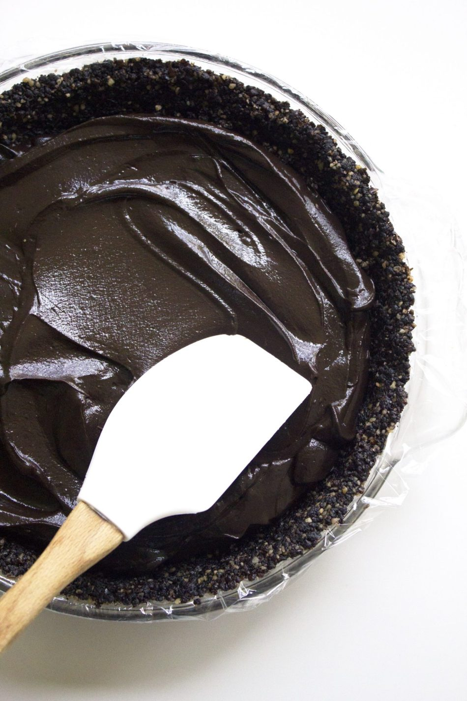 No-Bake Chocolate Coconut Cream Pie | Full of wholesome ingredients, this delicious pie is vegan and free of dairy, gluten, and grains!