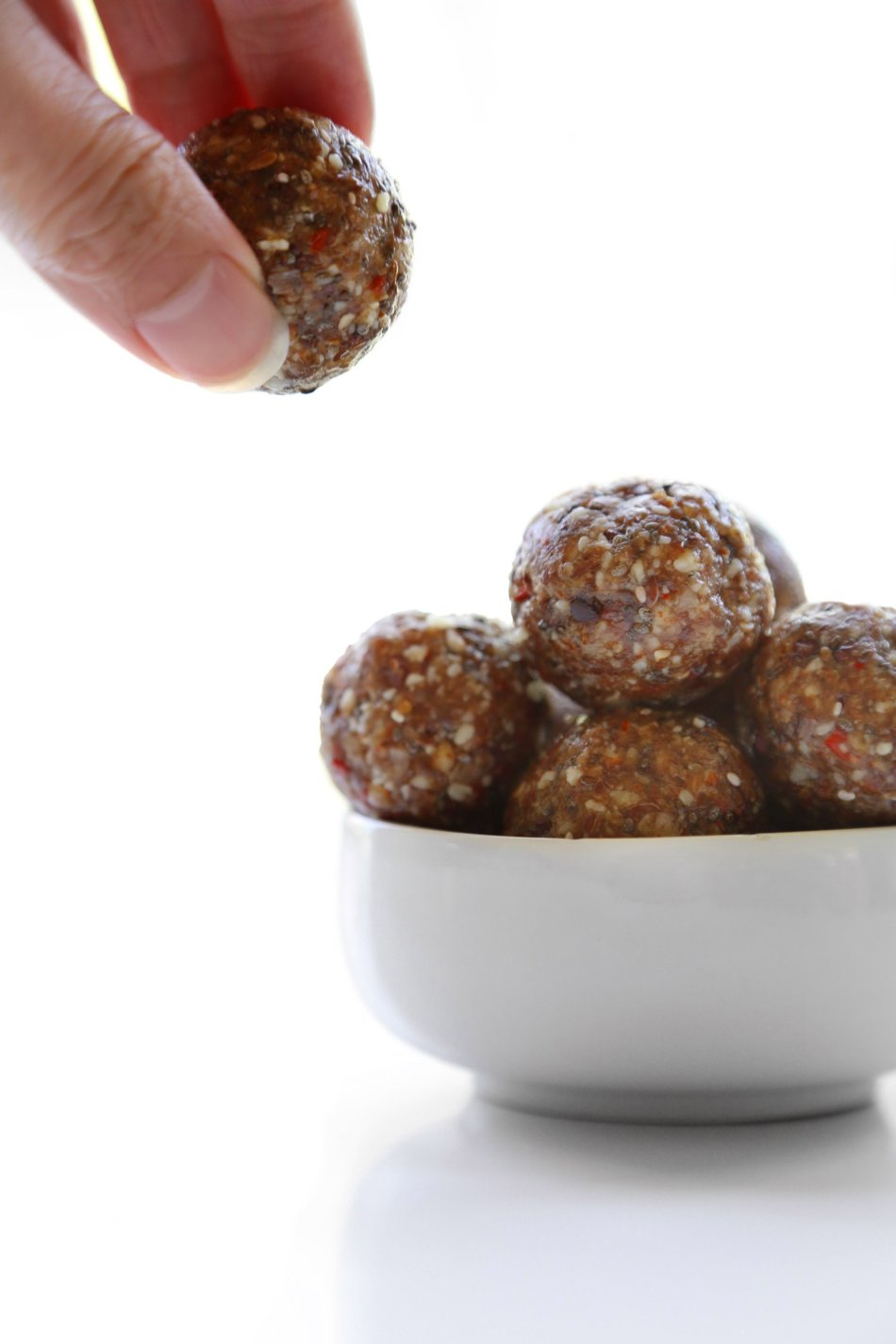 Superfood Energy Bites | No-bake and free of gluten, dairy, & grains