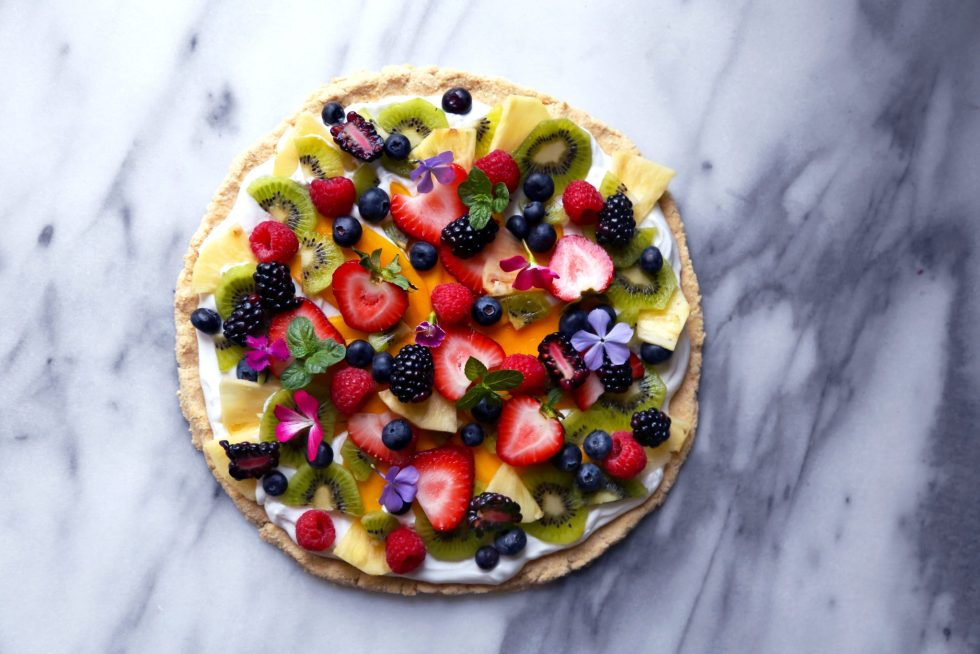 Paleo Tropical Fruit Pizza | Free of dairy, gluten, grains, and refined sugar! fruit pizza whole