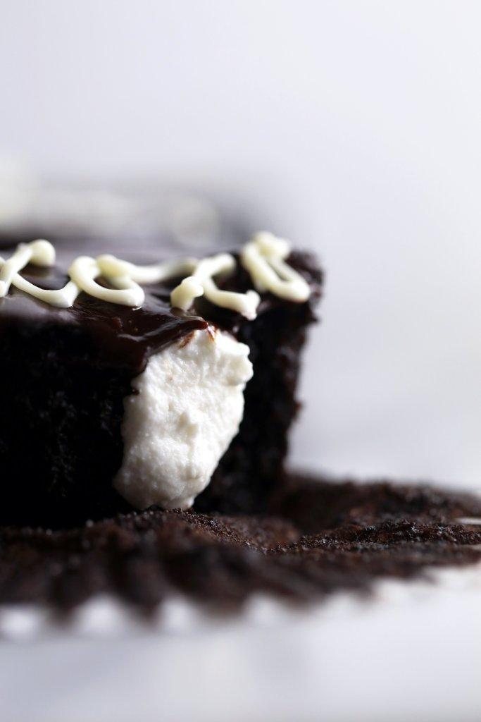 Vegan Chocolate Cupcakes | Free of gluten, dairy, and eggs. Vegan friendly.