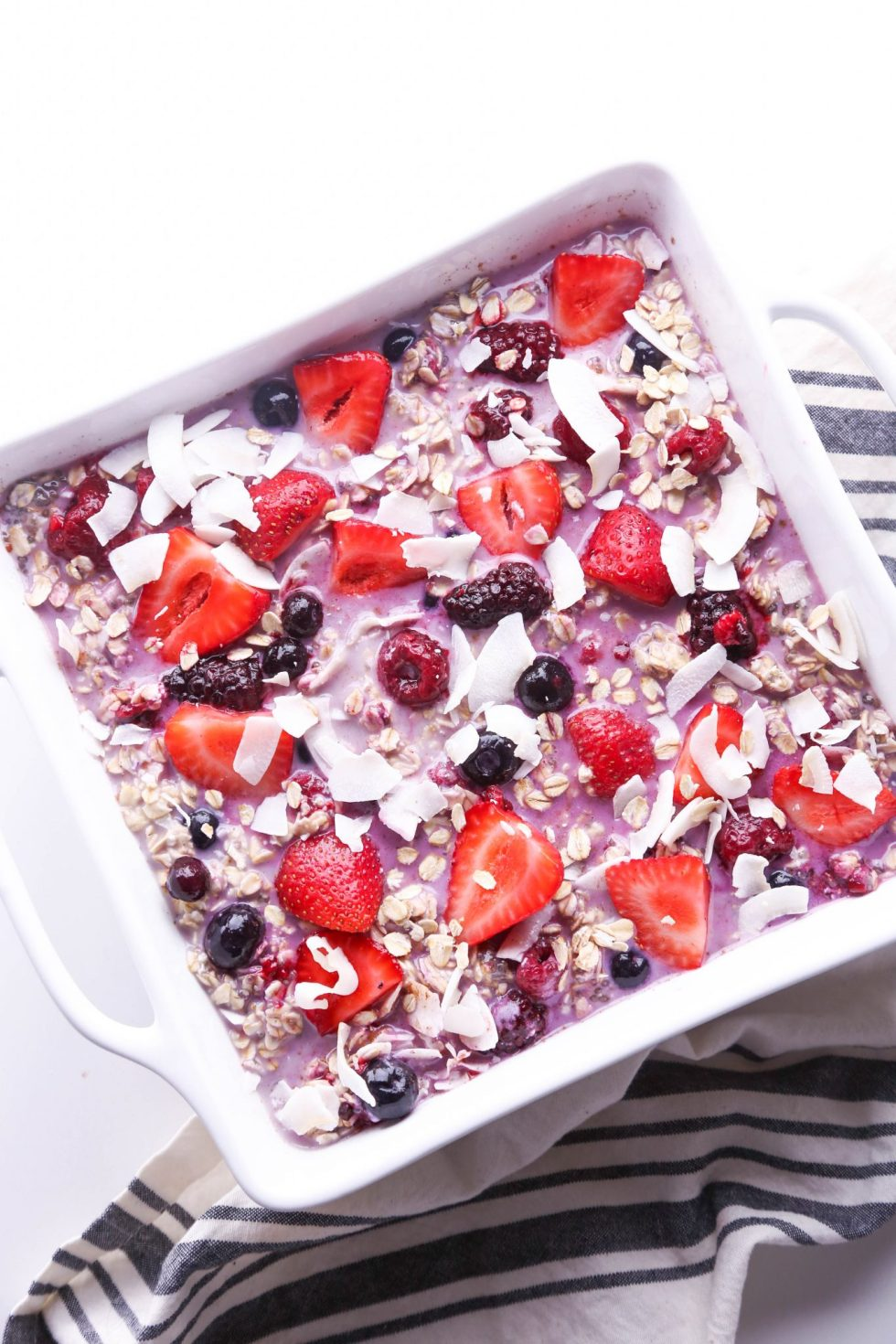 Mixed Berry Baked Oatmeal | Free of gluten, dairy, and refined sugar; Vegan friendly.