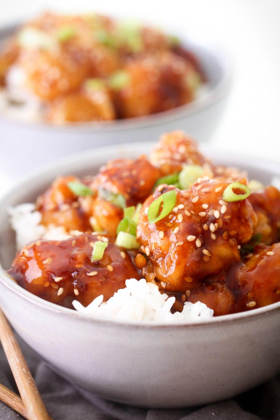 Sesame Cauliflower | Free of gluten, dairy, and refined sugar. Vegan and vegetarian.
