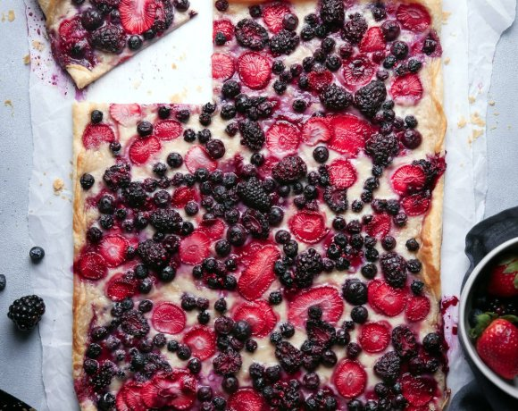 Easy Berry Puff Pastry Tart