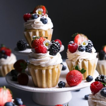 Vegan Vanilla Cupcakes with Fresh Berries