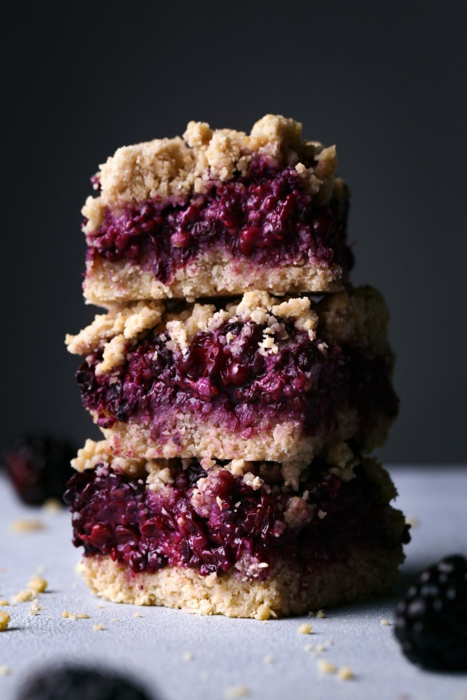 Blackberry Oat Bars | Vegan and Gluten, Dairy, and Refined Sugar Free | Wife Mama Foodie