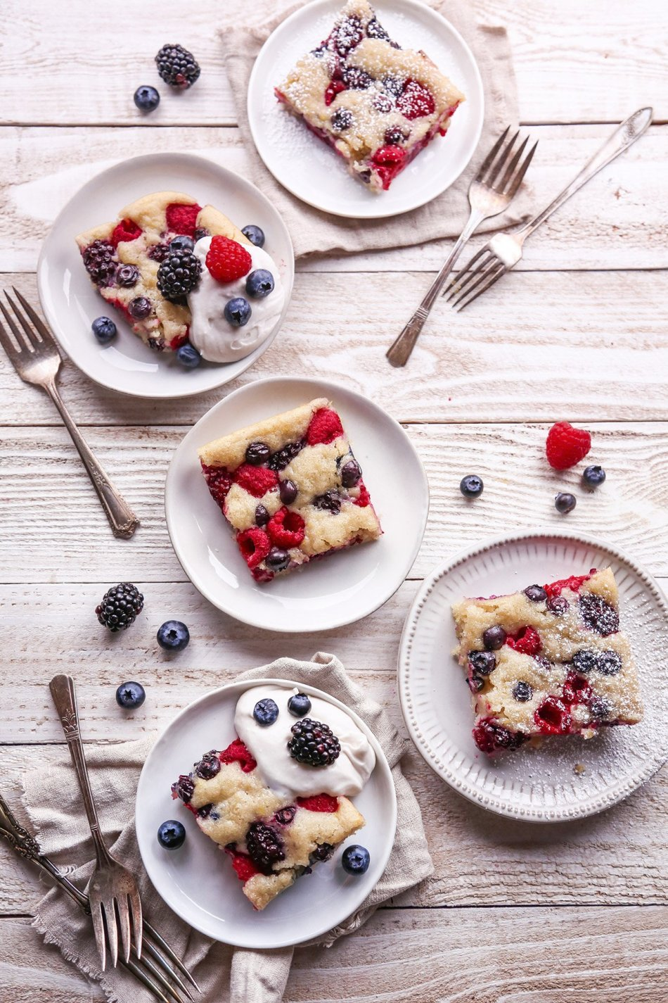 Easy Berry Sheet Cake   Free of gluten, dairy, eggs, and refined sugar, plus vegan friendly