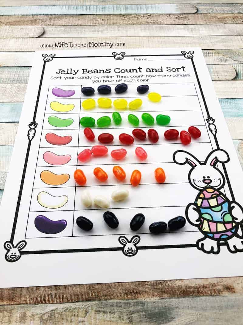 Sorting jelly beans by color is a fun easter teaching idea for kindergarten, pre-k and preschool!
