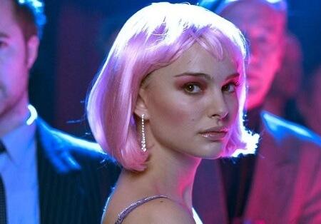 Alice Ayres pink wig