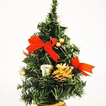 Malý vianočný stromček 904