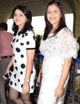 Mannara Chopra with her sister
