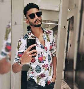 khaleel-Ahmed-age-biography-wiki-family-girlfriend-stats-ipl