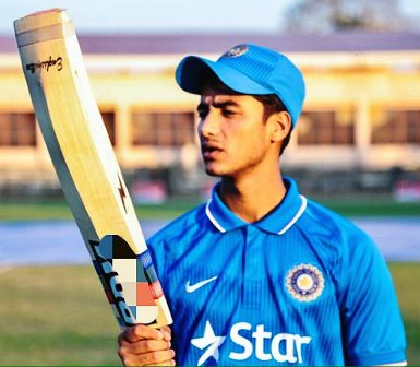 abhishek-sharma-cricket-career-girlfriend-age-height-facts