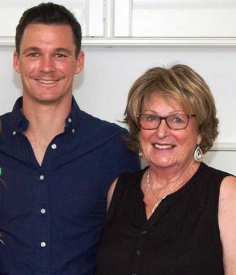 peter-handscomb-family-mother