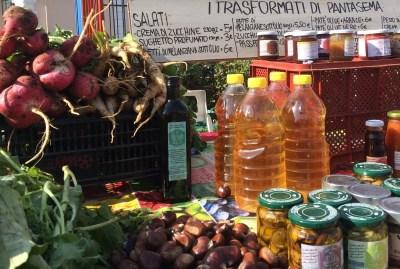WIKI HOSTEL FAMILY pantasema farmer market products